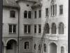 Meran_Kornplatz_1919_Abmontage_Kaiseradler_WSC0040